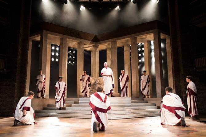 julius-caesar-production-images_-2017_2017_photo-by-helen-maybanks-_c_-rsc_214262_tmb-gal-670