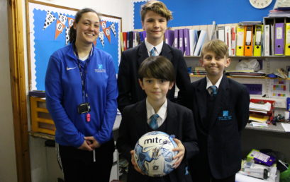 Premier League Reading Stars receive signed football from CCFC!
